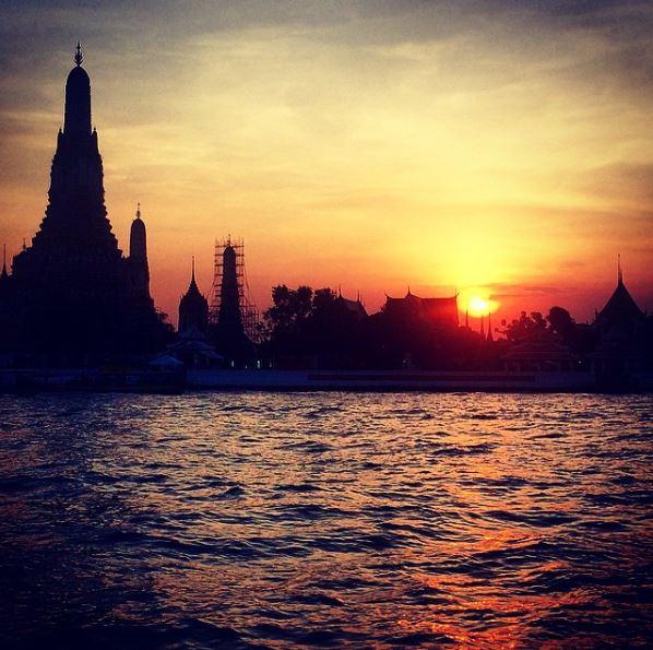 Tramonto sul Wat Arun dal 342 Bar