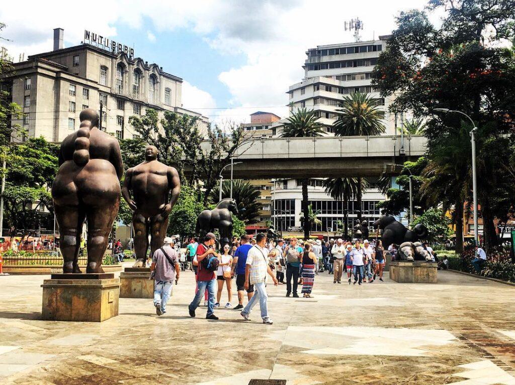 Medellin, Plazoleta con le sculture di Fernando Botero