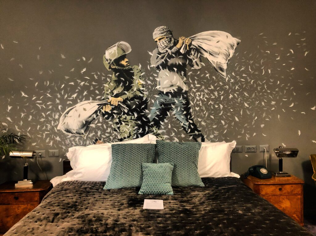 The Walled Off Hotel by Banksy, Betlemme