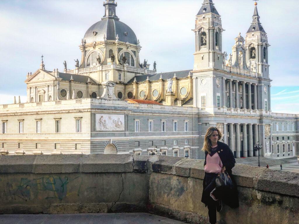 30 cose da fare in città, Cattedrale Almudena