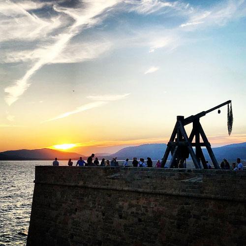 Cosa vedere ad Alghero in 3 giorni: tramonto sui bastioni