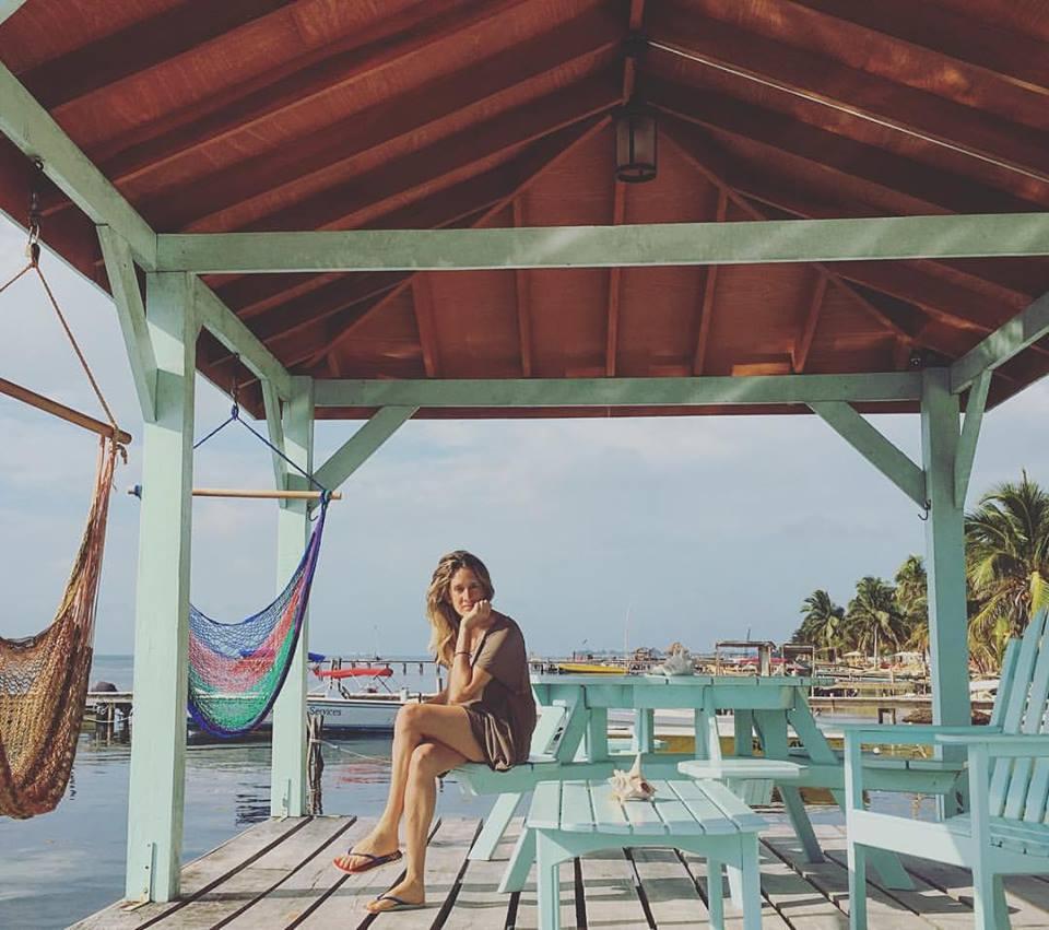 Pontile del Barefoot Beach Belize Resort