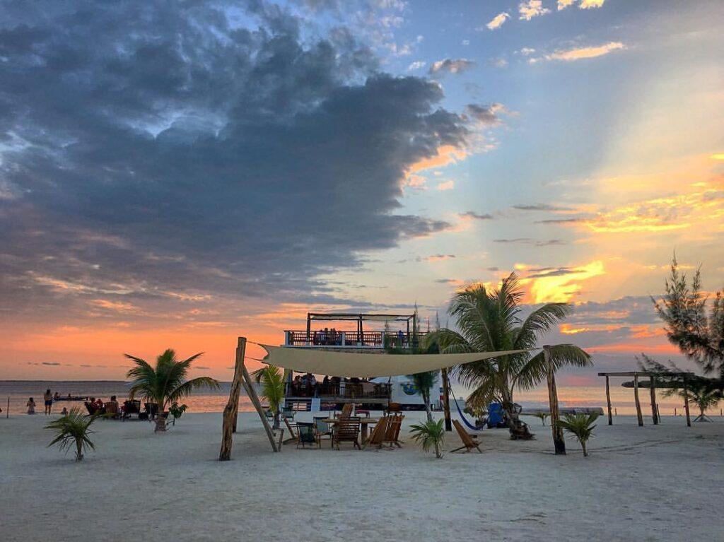 Spiaggia di Koko King al tramonto