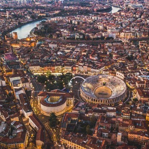 Vista aerea sull'Arena di Verona