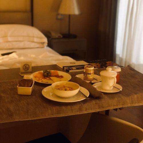 Colazione presso l'hotel Escalus Luxury Suite