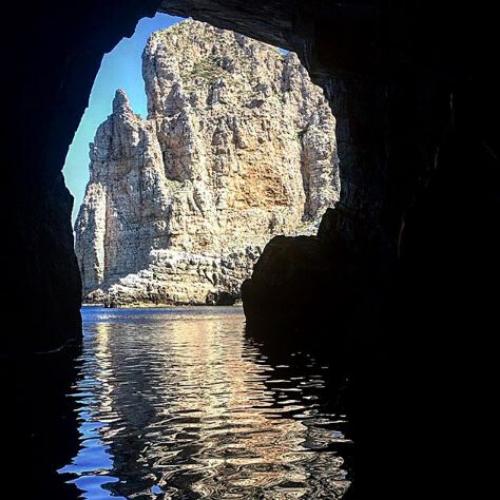 Marettimo, grotta della Bombarda