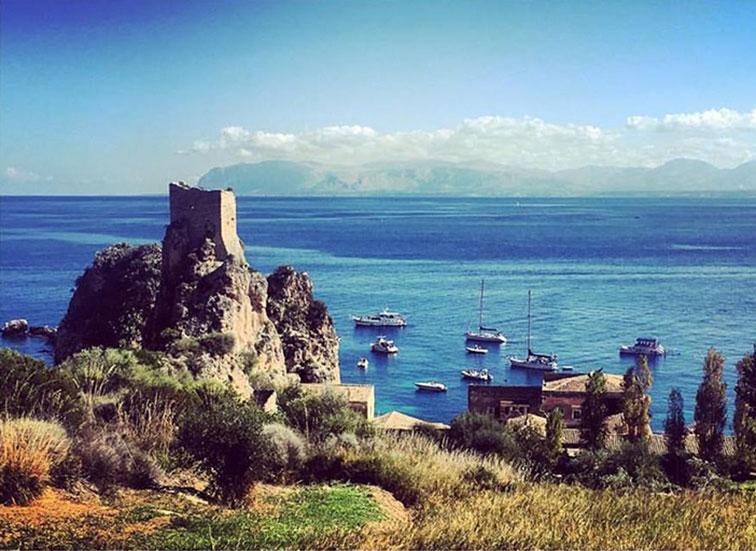 La Sicilia Occidentale, baia dei Faraglioni di Scopello