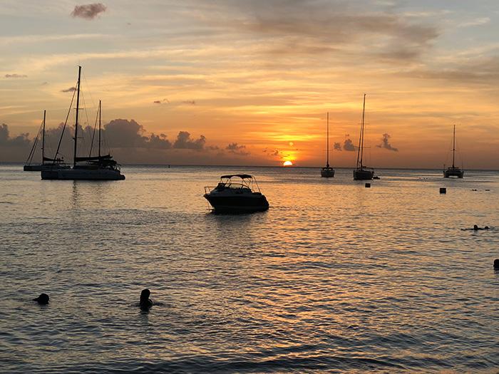 Tramonto in Martinica, l'isola più francese dei Caraibi.