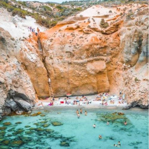 La spiaggia di Tsigrado